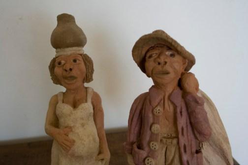 Close do casal sertanejo em cerâmica, de Fábio Smith