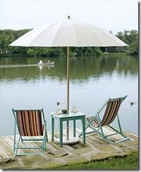 Simplicidade do guarda-sol e cadeiras