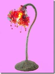 Abajour do projeto flores de pet de Laila Assef