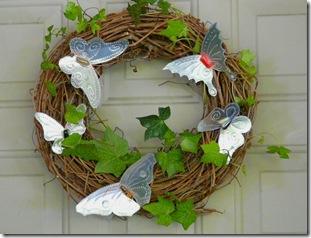 Guirlandas também ficam lindas decoradas com borboletas