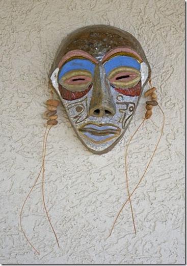 Máscara em cerâmica de Edmundo Campos