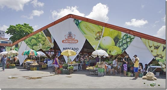 Acesso ao pavilhão de frutas do Mercado Público de João Pessoa