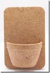 Placa com vaso de fibra de coco
