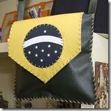 Outro modelo da linha Brasil de bolsas de couro