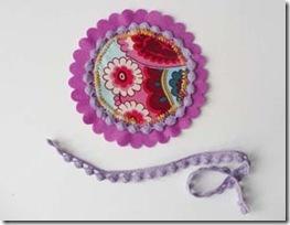 Monte o círculo com o feltro e o tecido