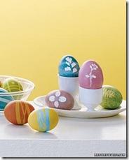 Pinte os ovos com desenhos simples