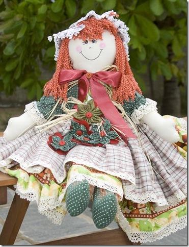 Linda boneca de pano feita pelas mãos de Leila Reis