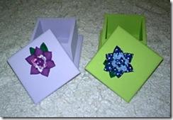 Caixinhas de MDF com detalhe de flores de fuxico, de Néia Guimarães