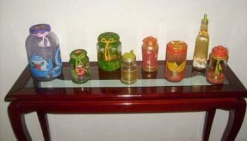 Vidros variados com pintura da Iris Sprição
