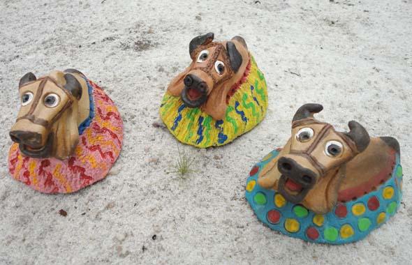 Boi-bumbás em cerâmica terracota de Fábio Smith