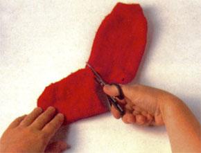 Corte a ponta da outra meia