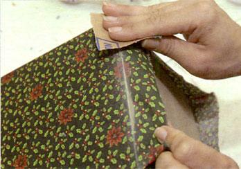 Retire o excesso de tecido das bordas