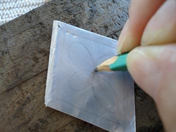 Desenhe o enfeite que você quer decorar o losango