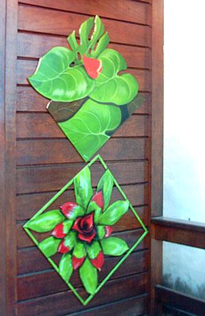 Paineis decorativos em MDF pintados à mão e recortados