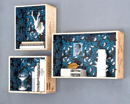 Caixotes de frutas com o interior revestido de tecido ou papel de parede