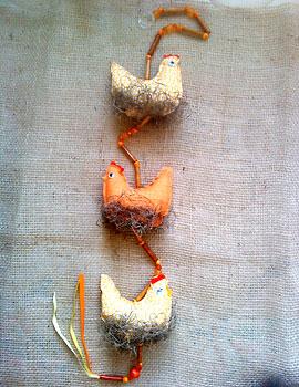 Móbile de tecido com galinhas para sua cozinha
