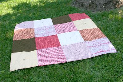 Cobertor para piquenique feito na técnica mais simples do patchwork