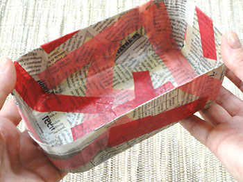 Embalagem plástica decorada com tiras pronta para usar