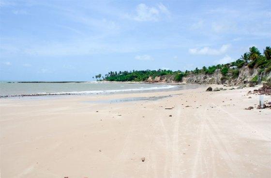 Passeando de buggy pelas areias da praia de Carapibus