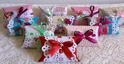 Rolinhos de papel higiênico podem ser lindas embalagens decoradas