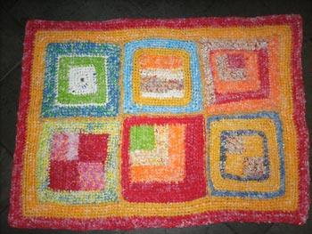 Tapetinho colorido em crochê