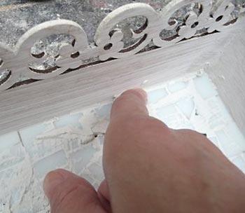 Nas bordas aplique com o dedo
