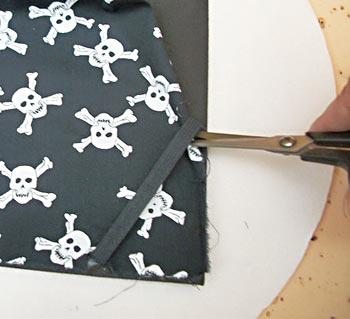 Picote o tecido para o elástico