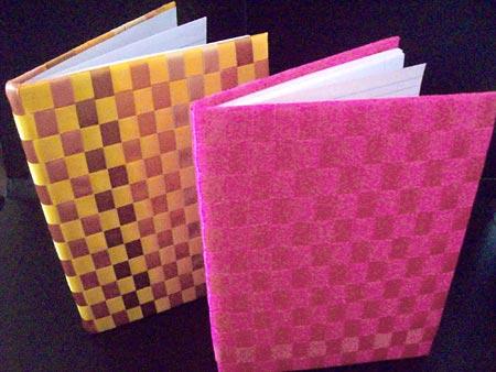 Capas de cadernos decorados com fitas