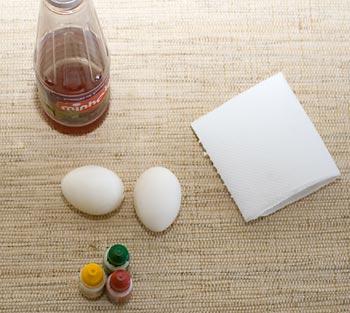 Material para pintar ovos de galinha