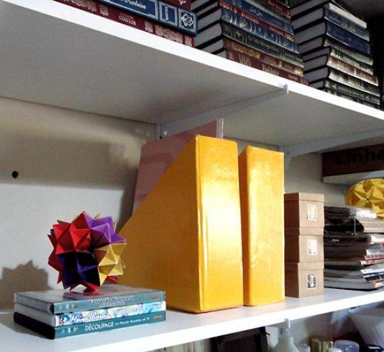 Organizador de revistas com reciclagem de caixas de papelão