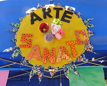 Barraca de artesanato na festa junina