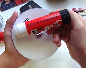 Aplique cola no CD