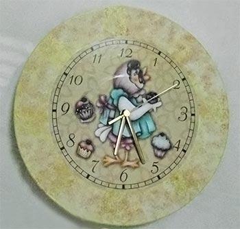 Disco de vinil que virou um relógio
