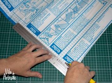 Corte o adesivo no tamanho desejado