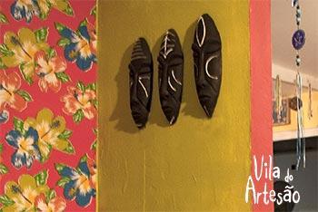 Máscaras tribais em cerâmica na Vila do Artesão