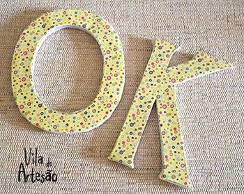 Letras com reciclagem de papelão