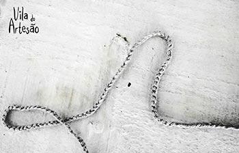 Crochete um cordão de lã