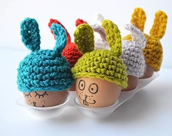 Ovos vestidos de coelhos