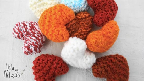 Sachês corações de tricô