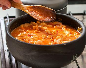 Cozinhe os camarões