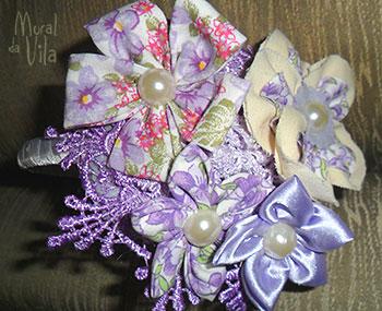 Tiara com flores de tecido