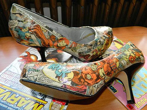 Decupagem com papel nos sapatos