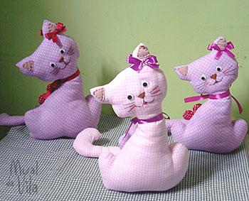 Mais gatinhos delicados para peso de porta