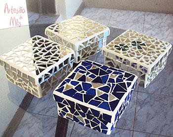 Caixas de mosaico com espelho