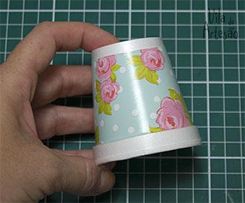 Copinho decorado com papel adesivo