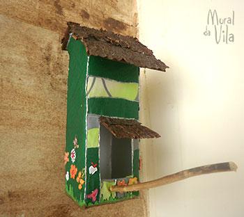 Materiais naturais na casinha de passarinho