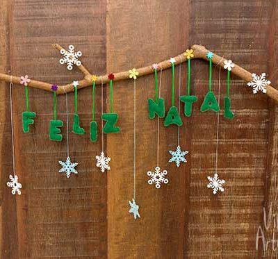 Enfeite de porta para o natal com recortes de feltro