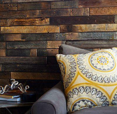 Painéis e revestimentos atuais usando madeira de demolição