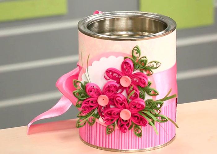 Técnica quilling para decorar latas
