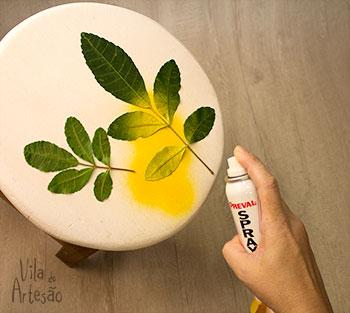 Pinte o banquinho